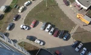 Имеет ли право арендатор парковаться во дворе МКД?